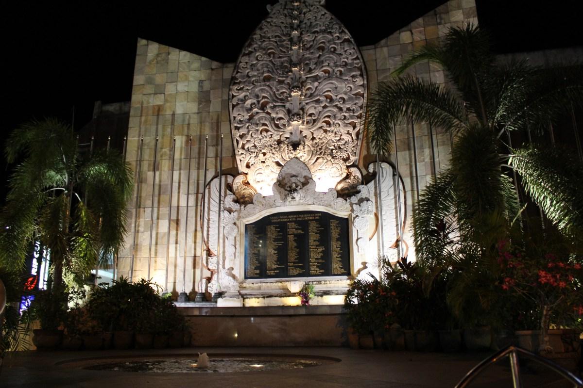 Hotel Legian Double Beach Baleka Resort Spa Ground Monument Bali
