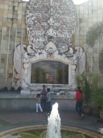 Monumen Bom Bali Legian Picture Ground Monument Ig Thomasbudi168 Bombing