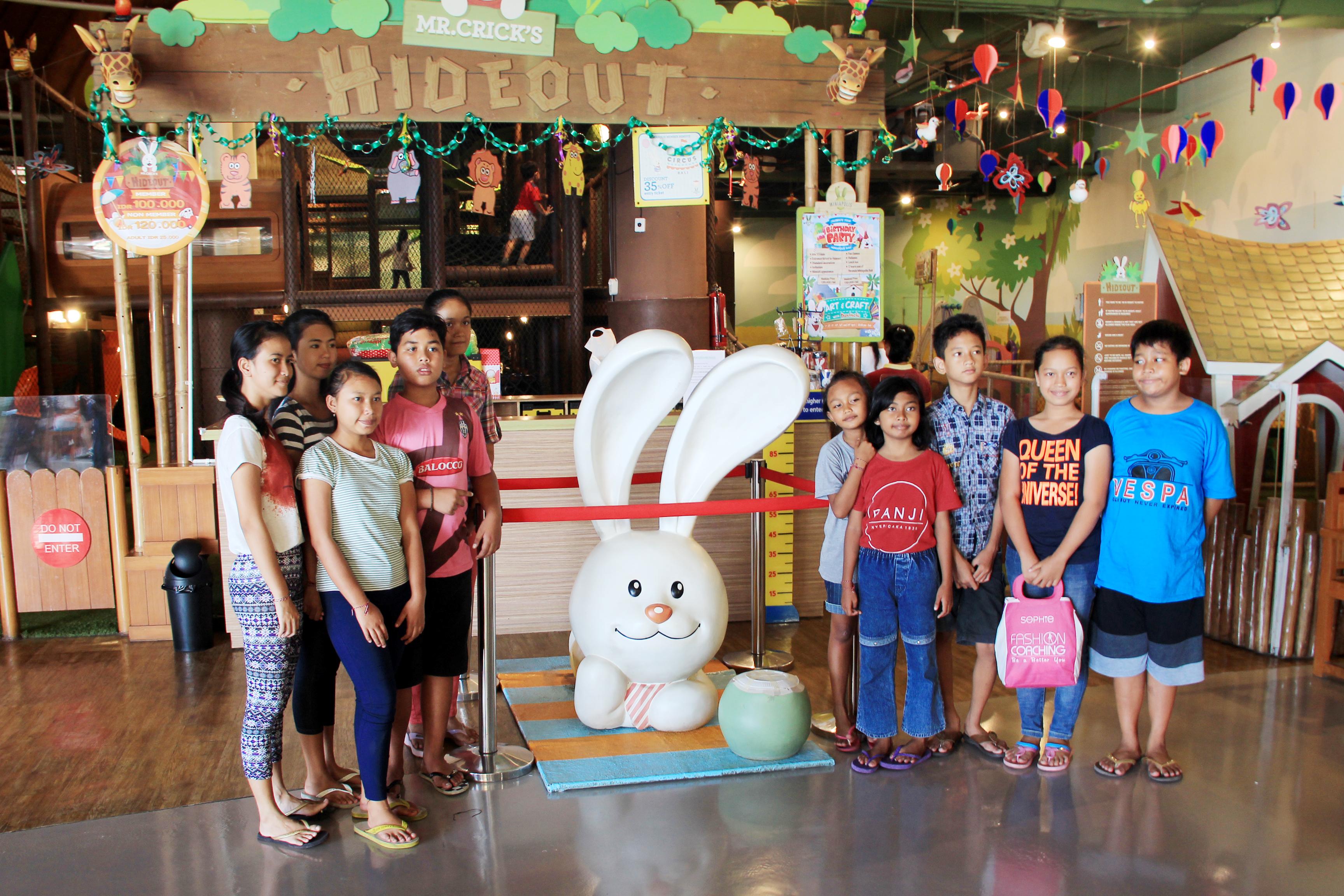 Berbagi Kasih Bersama Beachwalk Shopping Center Kab Badung