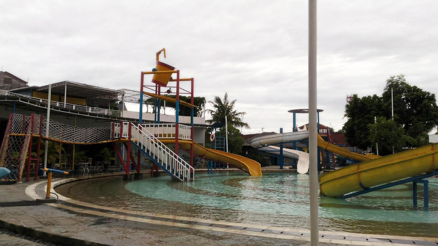 Circus Waterpark Bali Entrance Ticket Slide Amazing Son 8 Ages
