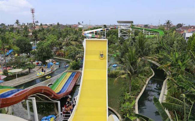 Circus Waterpark Kuta Tiket Masuk Wahana Travels Bali Wave Slider