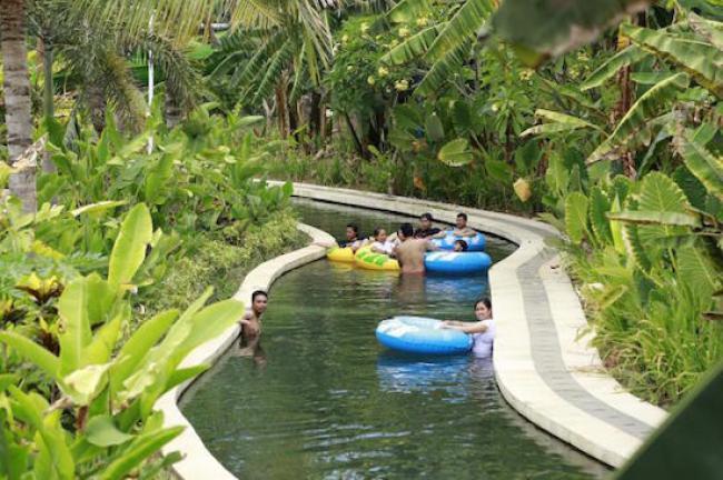 Circus Waterpark Kuta Tiket Masuk Wahana Travels Lazy River Bali