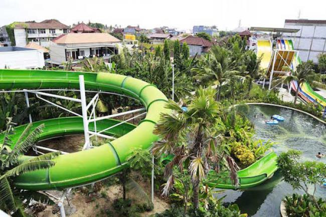Circus Waterpark Kuta Tiket Masuk Wahana Travels Spiral Tube Meluncur