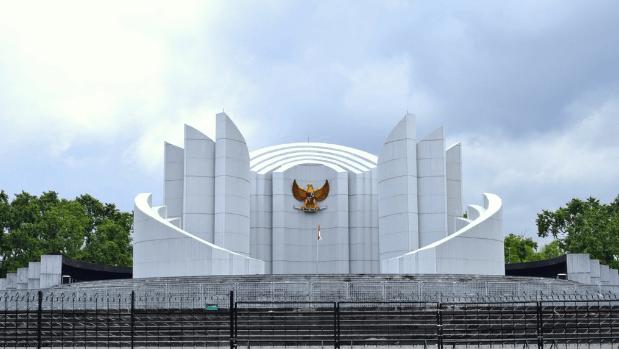 50 Tempat Wisata Bandung Ngangenin Pisan Dijamin Keren Monumen Perjuangan