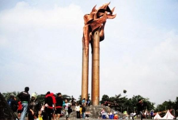 7 000 Obor Peringati Bandung Lautan Api 70 Balebandung Monumen