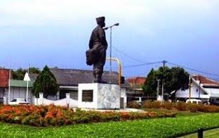 86 Pesona Keindahan Wisata Bandung Utara Selatan 17 Monumen Hussein