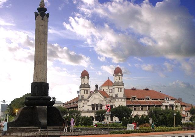 Monumen Bersejarah Indonesia Pasca Kemerdekaan Ulinulin Tugu Jalan Pemuda Semarang