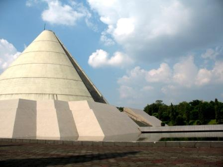 Pariwisata Eva Baydachotun Tours Travel Museum Monumen Bandung Lautan Api