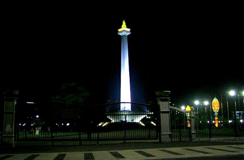 Tujuan Wisata Menakjubkan Indonesia Alviyatun Blog Monumen Nasional Jakarta Bandung