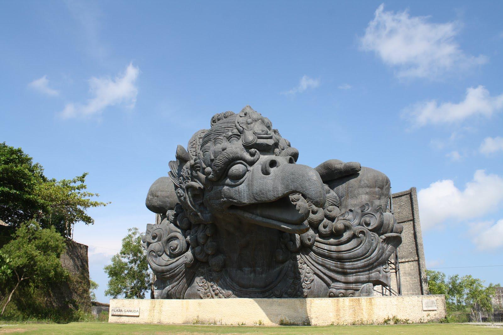Wisata Monumen Patung Garuda Wisnu Kencana Bali Nusantara Bandung Lautan