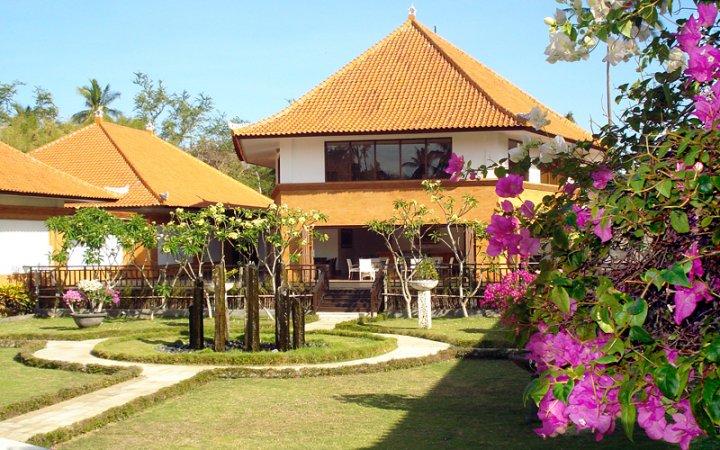 Museum Pasifika Tourist Attraction Kab Badung
