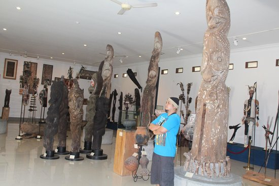 Polynesian Artefacts Picture Museum Pasifika Nusa Dua Pacific Section Kab