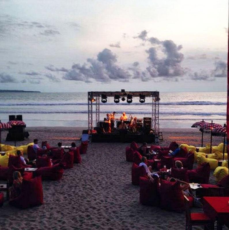10 Affordable Sunset Beach Bars Bali Won Break Wallet 6
