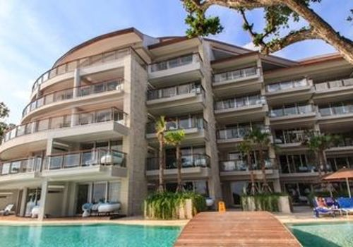 Double Luxury Hotel 168 Kuta Bali Hotels Kayak Building Pantai