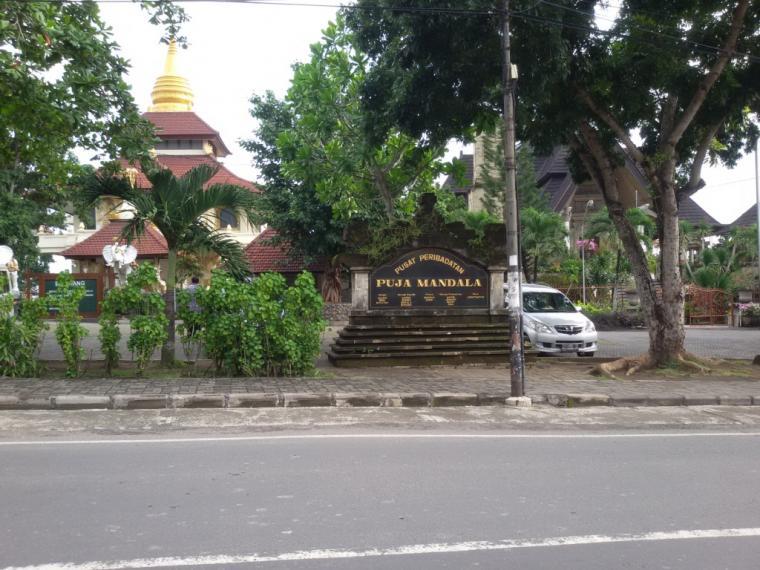 Berkunjung Puja Mandala Pulau Bali Tempat Ibadah 5 Agama 1