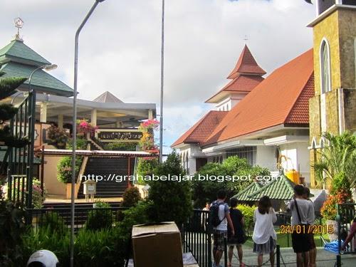 Cerminan Kebebasan Beragama Komplek Puja Mandala Bali Bawah Foto Ambil