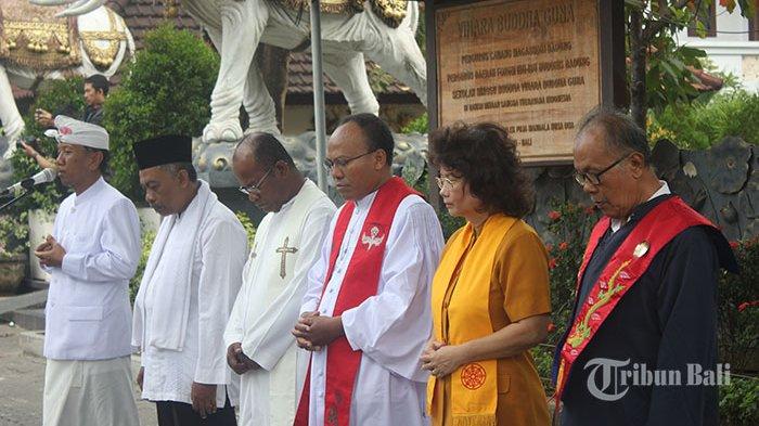 Ratusan Umat Lintas Agama Ikuti Doa Bersama Puja Mandala Tribun