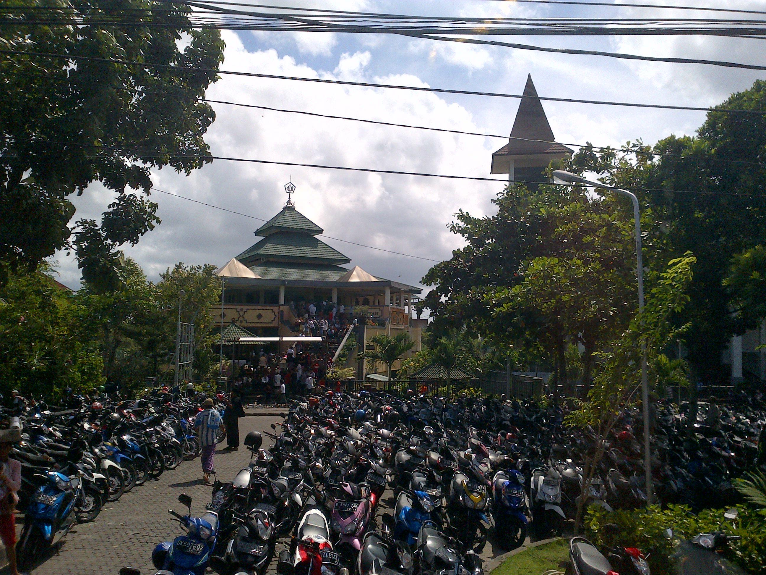 Sarangan Imam Khairul Annas Salat Jumat Masjid Puja Mandala Kab