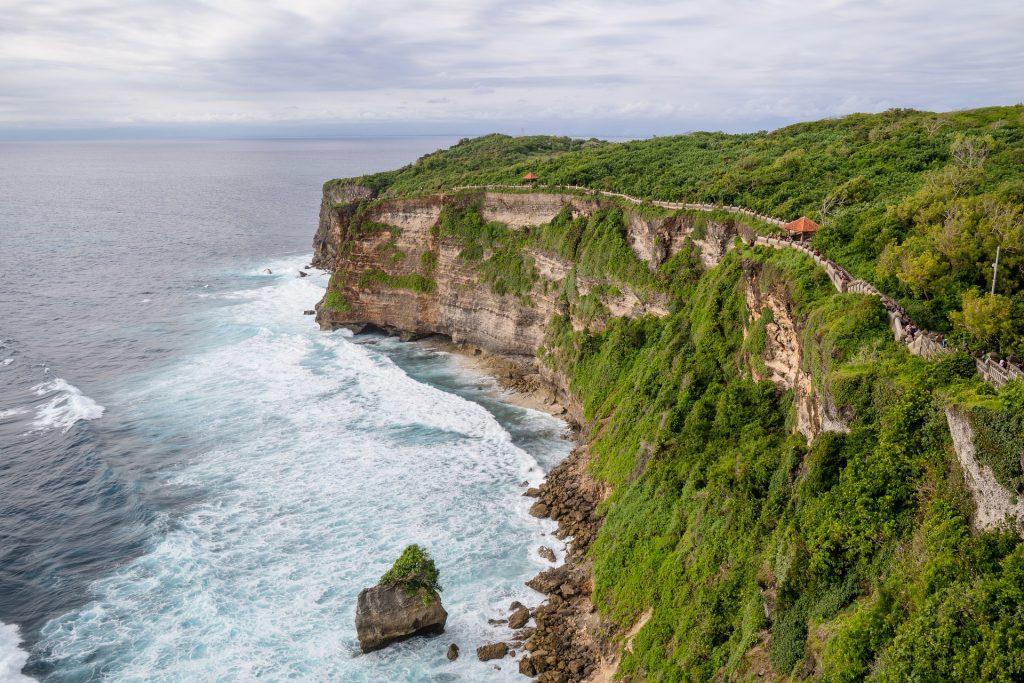 15 Tempat Wisata Uluwatu Jimbaran Bali Mengesankan Source Moritzklassen Pura