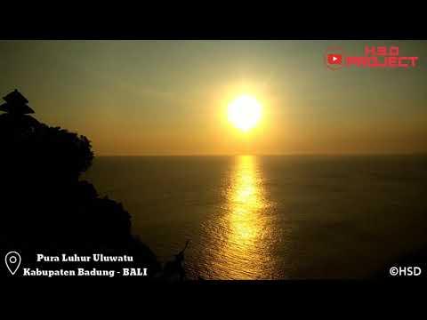 Indahnya Sunset Pura Luhur Uluwatu Kabupaten Badung Bali Youtube Kab