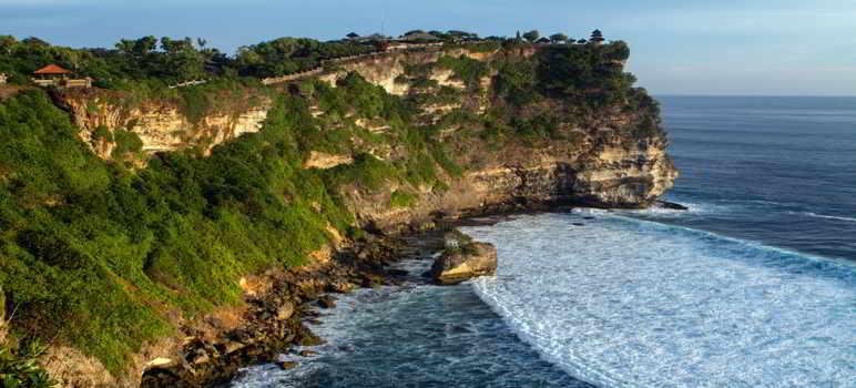 Pura Luhur Uluwatu Bali Informasi Wisata Sejarah Harga Tiket Masuk