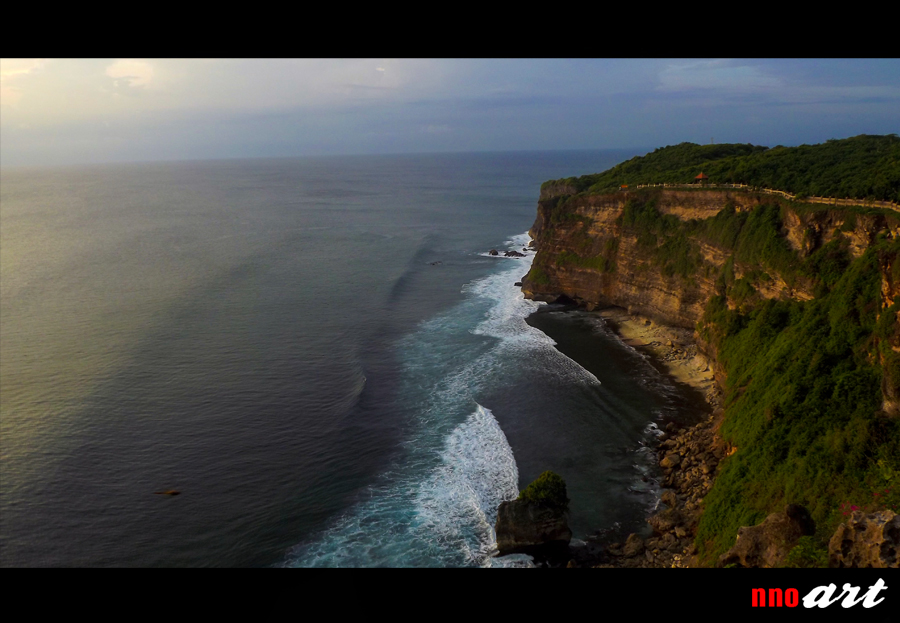Pura Luhur Uluwatu Bali Wisata Religi Spot Sunset Tari Kecak