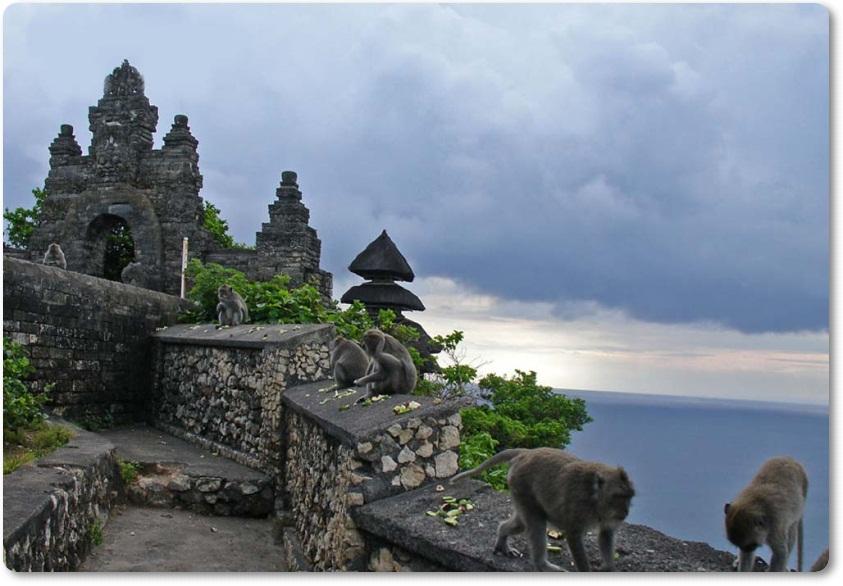 Pura Uluwatu Bali Luhur Kab Badung