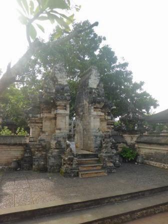 Tiga Kemahakuasaan Tuhan Pura Luhur Uluwatu Wayan Suyasa Berada Desa