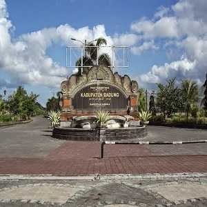99 Tempat Wisata Kabupaten Badung Bali Terpopuler Mangupura Pura Petitenget