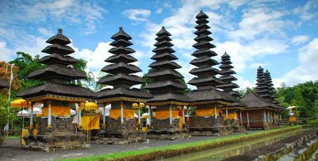 Pura Taman Ayun Bali Jaya Trans Executive Travel Surabaya Kab