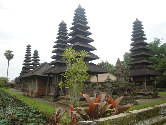 Pura Taman Ayun Situs Sejarah Candi Kerajaan Mengwi Kab Badung