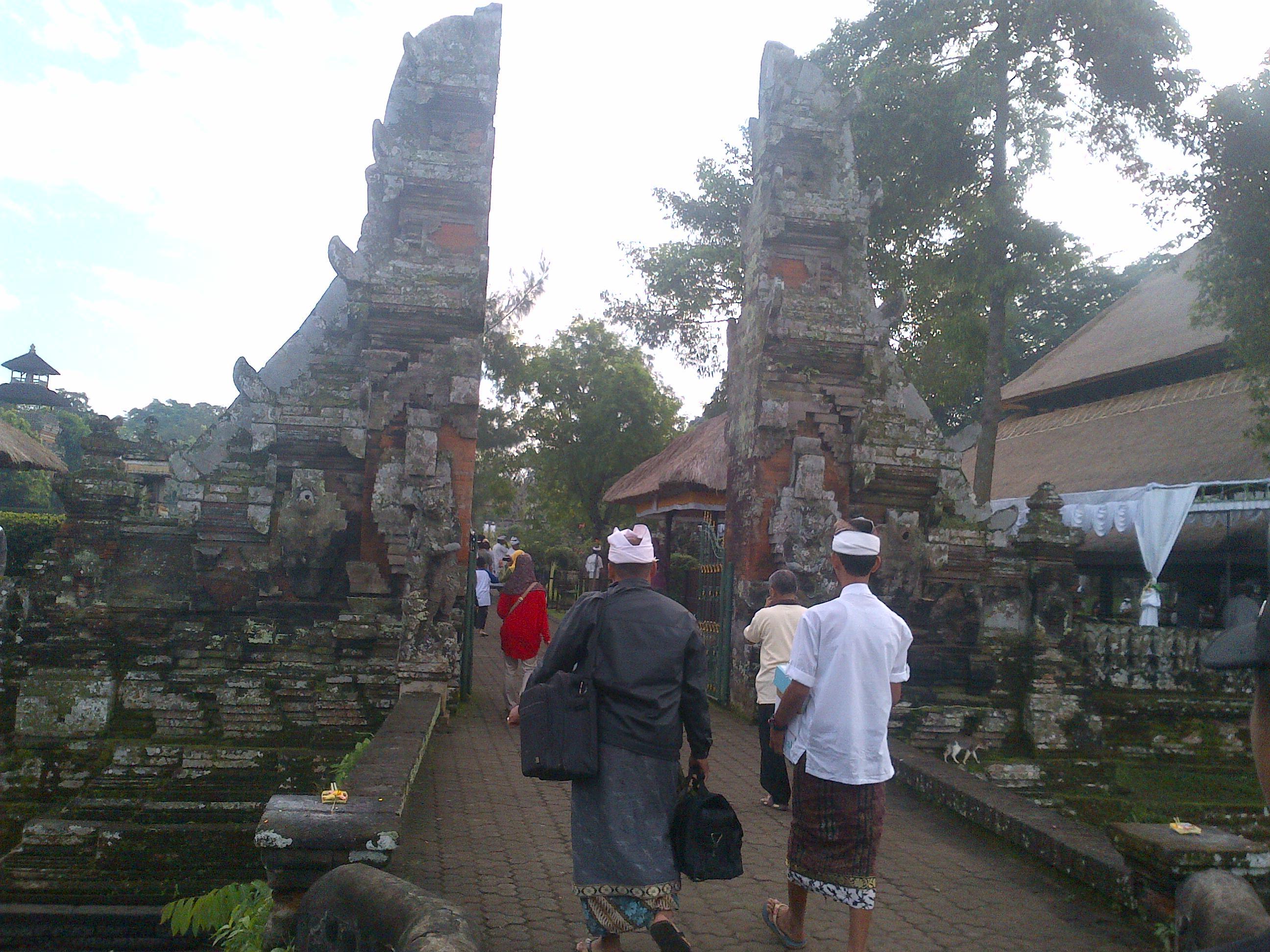 Sarangan Imam Khairul Annas Pura Taman Ayun Mengwi Kabupaten Badung