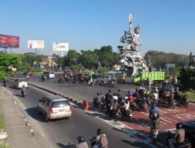 Akhirnya Jalan Underpass Dibangun Muammar Kaddafi Kondisi Lintas Seputar Patung