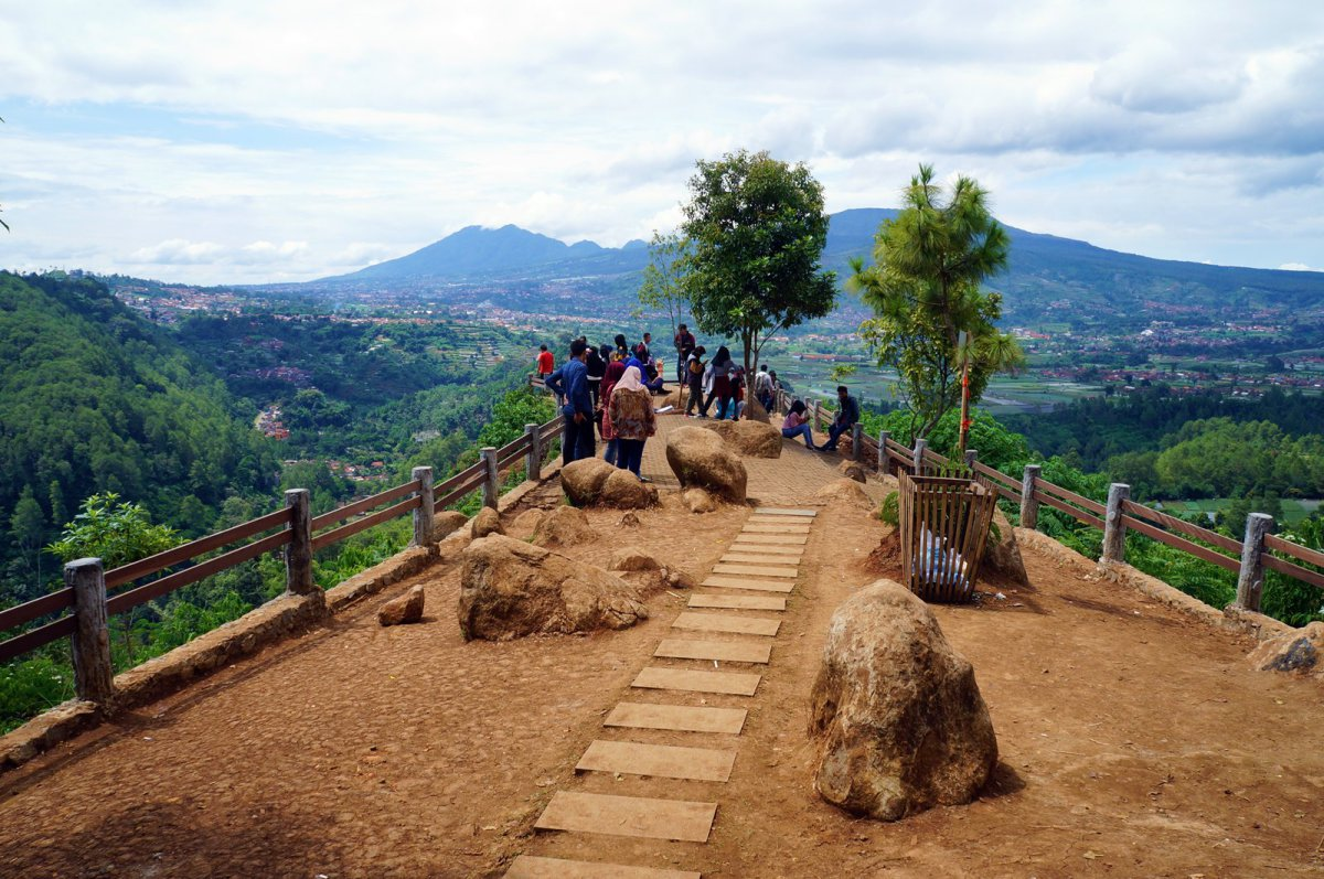 Wisata Lembang Wajib Dikunjungi Liburan Bandung Kebun Bunga Begonia Taman