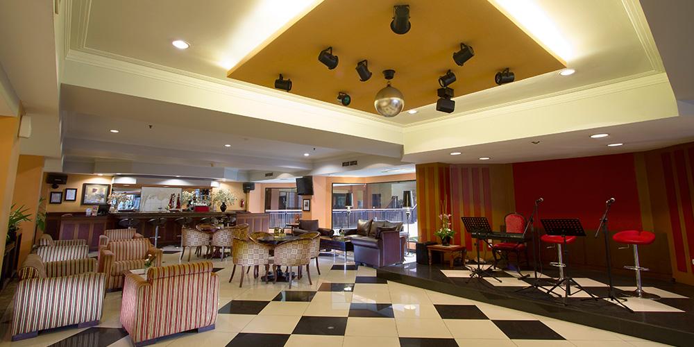 Garden Permata Hotel Panorama Bar Lounge1 Taman Nuart Sculpture Kab