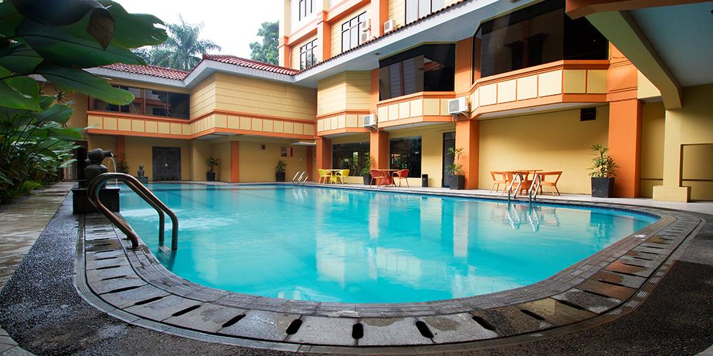 Garden Permata Hotel Swimming Pool1 Taman Nuart Sculpture Kab Bandung