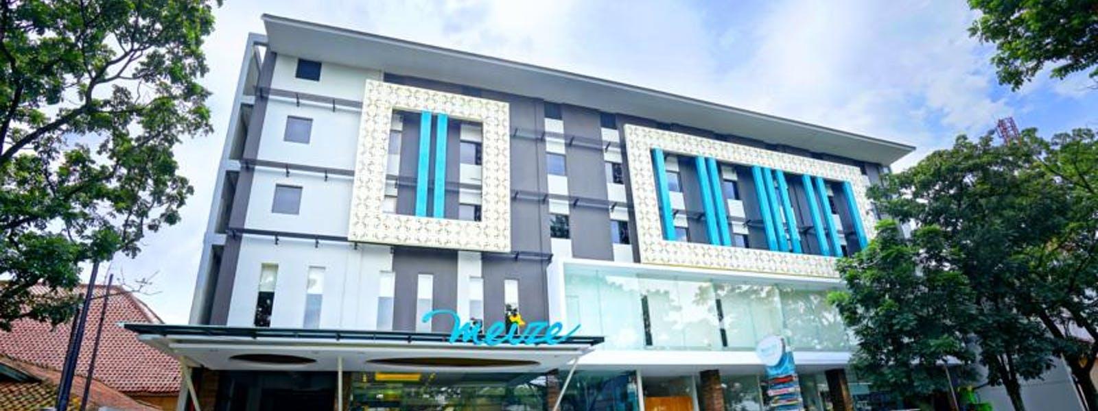 Home Meize Hotel Bandung Taman Nuart Sculpture Kab Barat