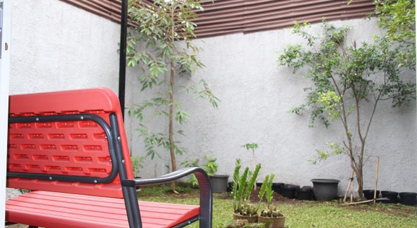Price Kt House Bandung Reviews Balcony Terrace Taman Nuart Sculpture