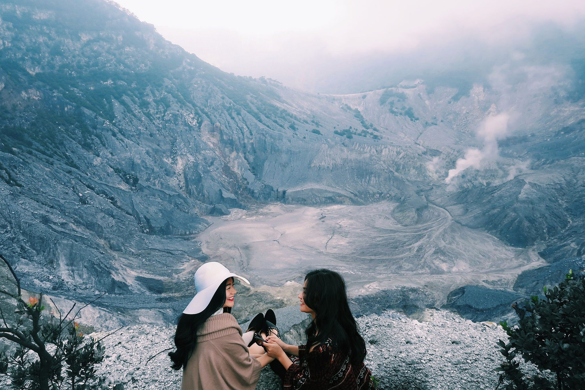 Tebing Keraton Bandung West Java Indonesia Tebingkeraton Jawabarat Pinterest Taman