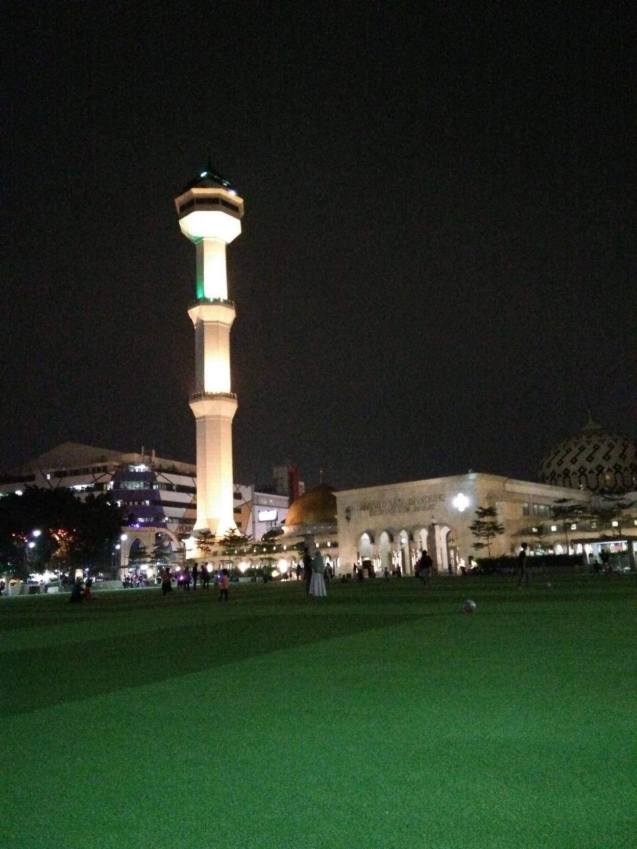 Bandung Jalan Asia Afrika Alun Masjid Raya Braga Malam Hari