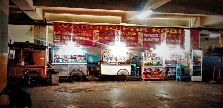 Pedagang Kaki Lima Kawasan Alun Bandung Merugi Pojok Suasana Panas