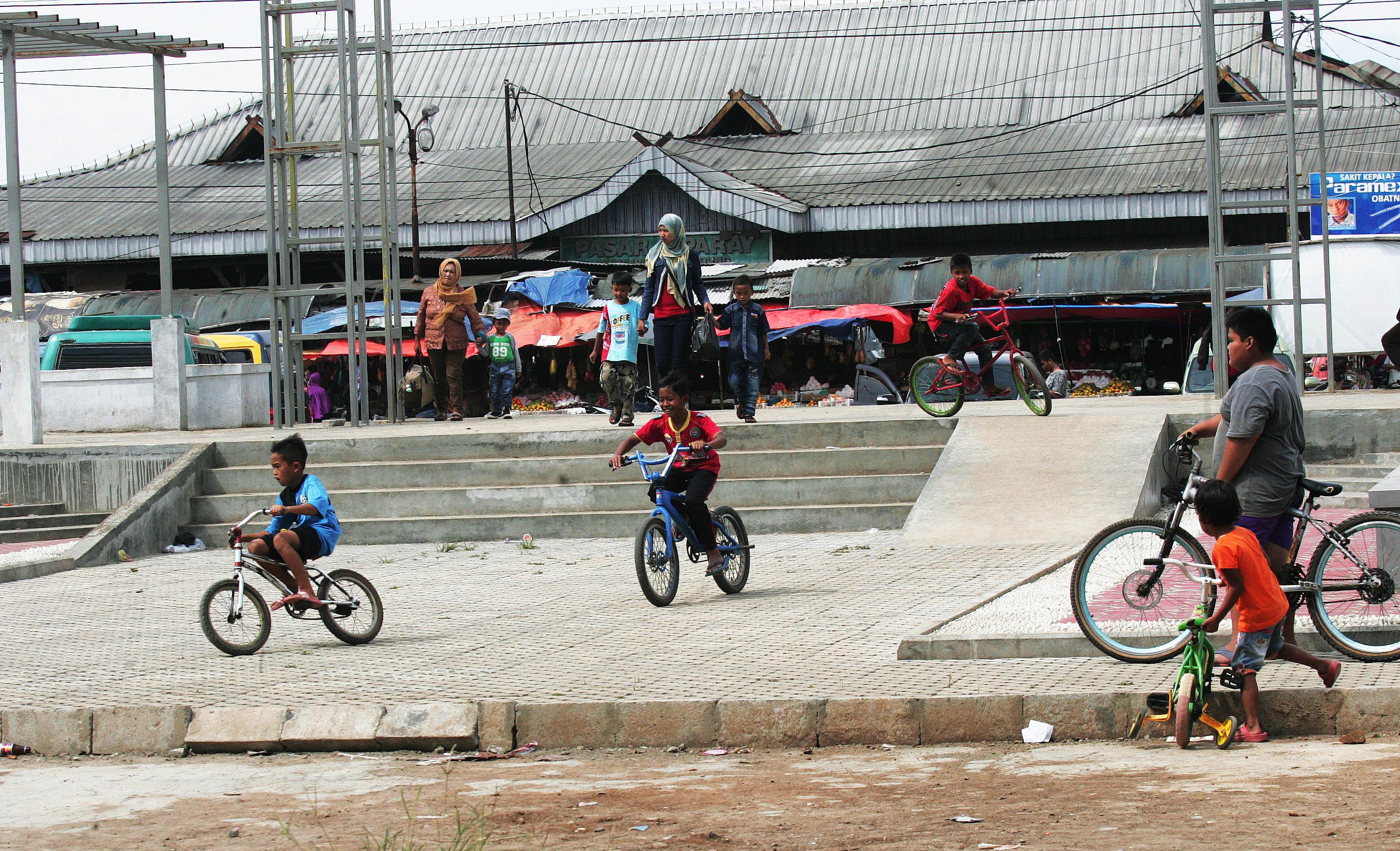 Proyek Taman Kota Ciparay Selesai Pikiran Rakyat Nandang Sukanda Prlm
