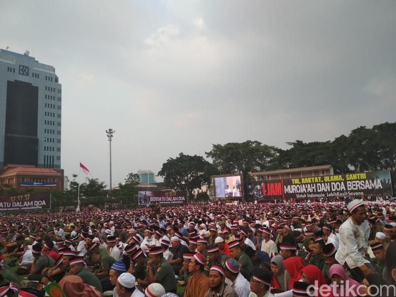 Warga Tni Kompak Berdoa Indonesia Alun Bandung Kab
