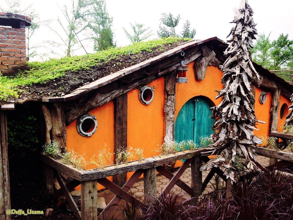 Hobbit House Farmhouse Lembang Bandung Youtube Kab