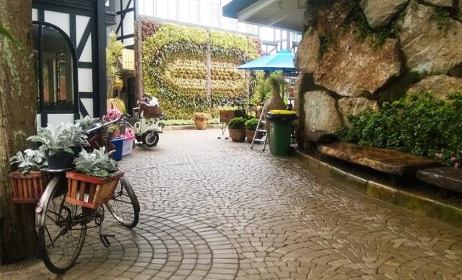 Mengunjungi Rumah Hobbit Farm House Susu Lembang Smartmama Farmhouse Kab