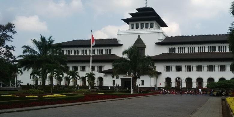 Akhir Pekan Karnaval Kemerdekaan 2017 Digelar Kota Bandung Gedung Sate