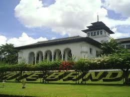 Biro Wisata Fortekindo Tour Gedung Sate Bandung Awalnya Tidak Satu
