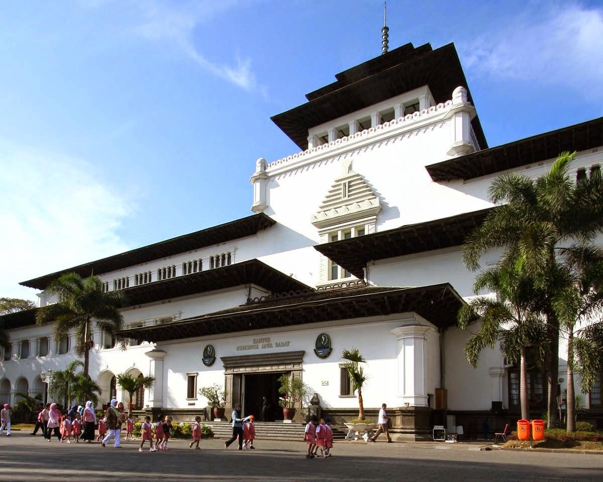 Gedung Sate Ikon Jawa Barat Kental Nilai Sejarah Jelajah Bagi