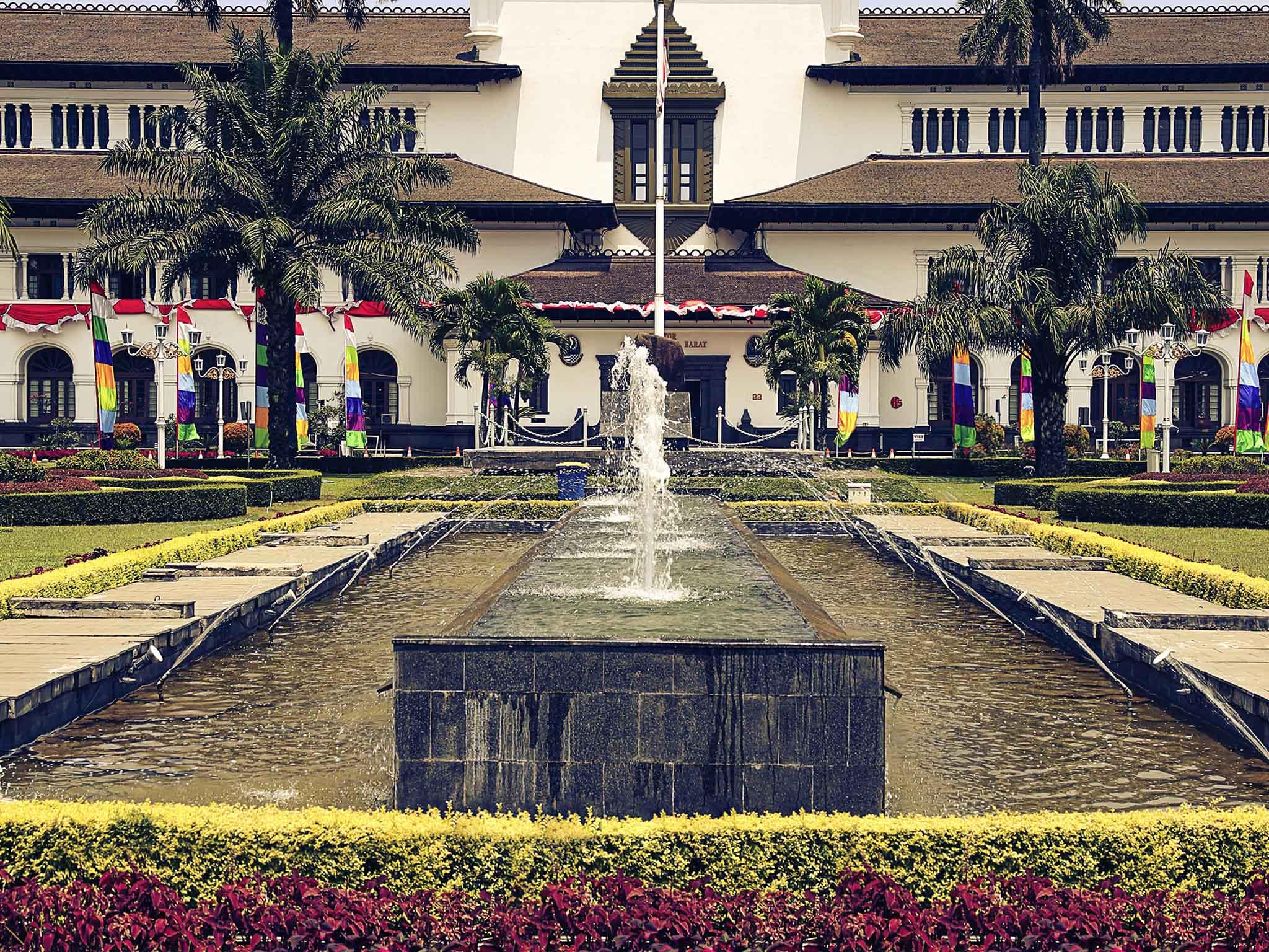 Hotel Bandung Ibis Pasteur Accorhotels Destination Gedung Sate Kab