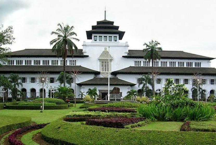Mojang Bandung Jadi Front Office Gedung Sate Republika Online Kab